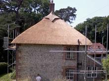 scaffolding-around-thatch